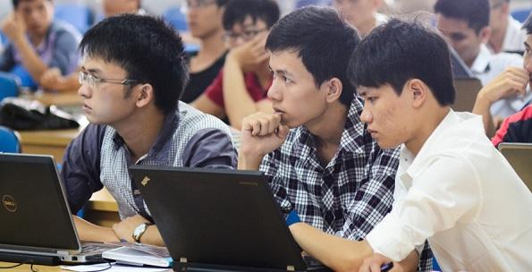 Không cân đối thời gian học tập và làm thêm khiến sinh viên dễ nghỉ học giữa chừng